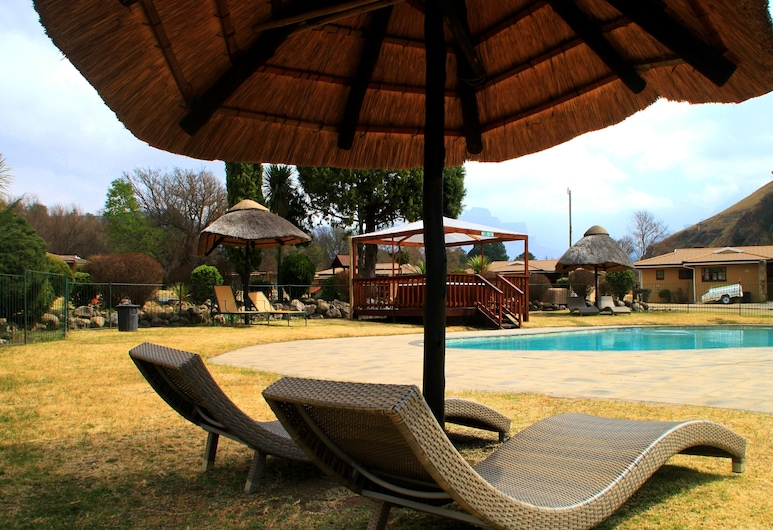 Riverbend Chalets Self Catering, Durban, Sundeck