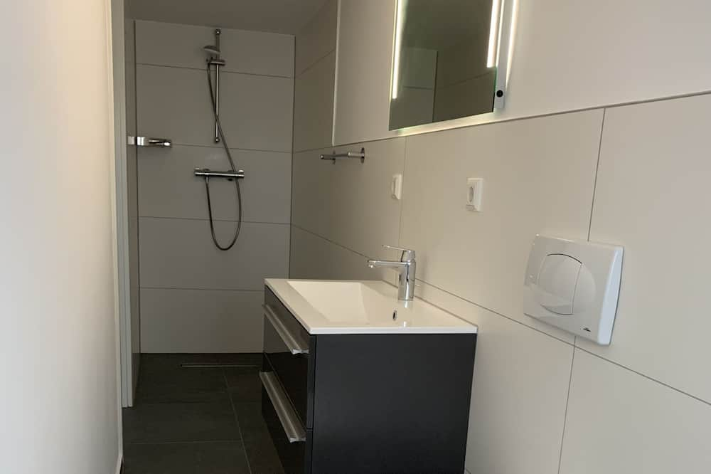 Huoneisto, Parveke - Kylpyhuone