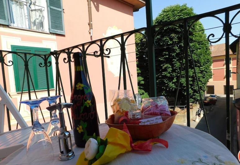 Borgo Nuovo, Gavi, Terrass