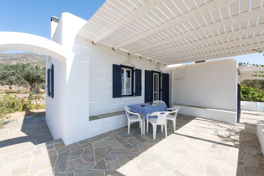 منزل - ٣ غرف نوم - تِراس/ فناء مرصوف