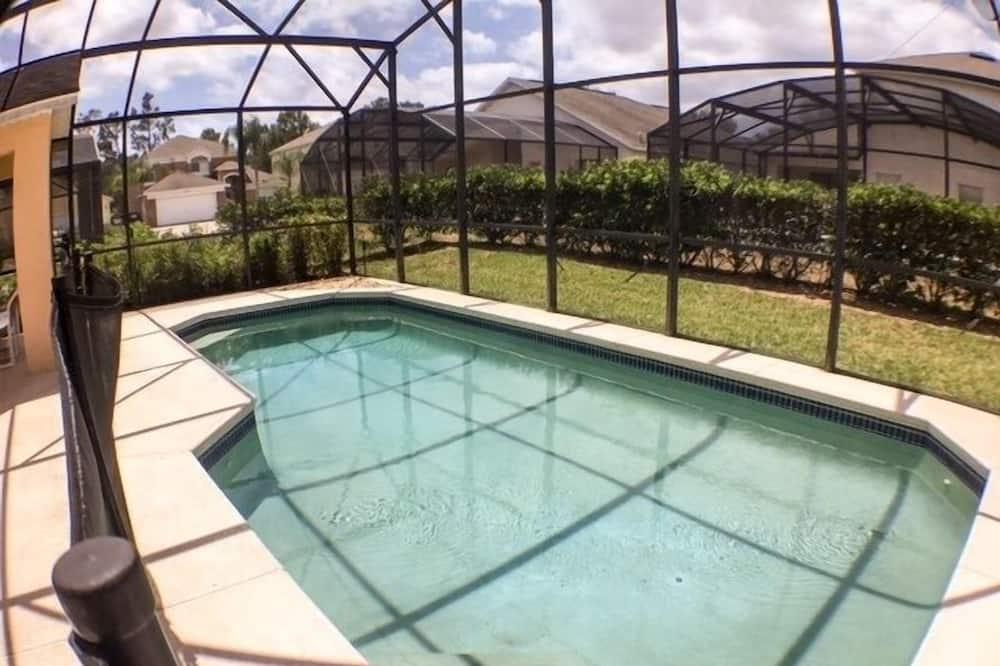 House, 4 Bedrooms - Pool