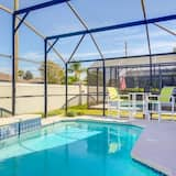 Southern Exposure Private Pool! 3 Bedroom Home