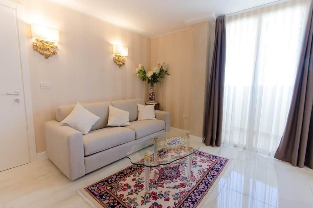 Standard Double or Twin Room - Living Area