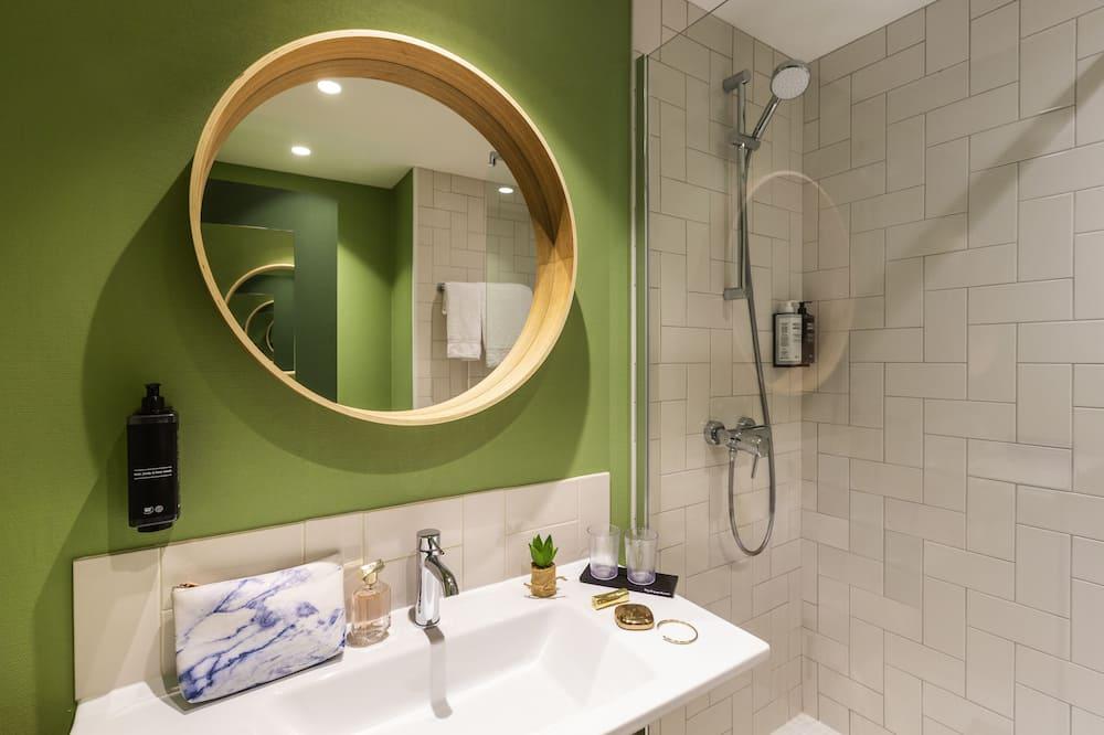 Premium-Doppelzimmer, 1 Doppelbett - Waschbecken im Bad