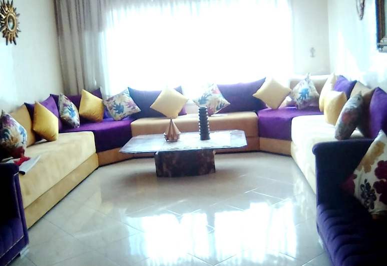 Apartment With one Bedroom in Casablanca, With Wonderful City View, Balcony and Wifi, Casablanca