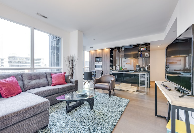 Beautifully Designed 2BR Suite Financial District, Toronto
