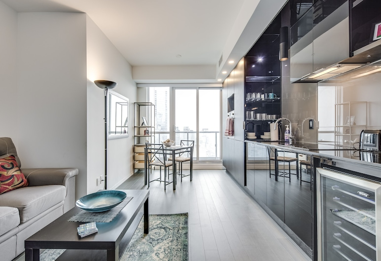 Trendy 2BR Condo in King East Great View, Toronto