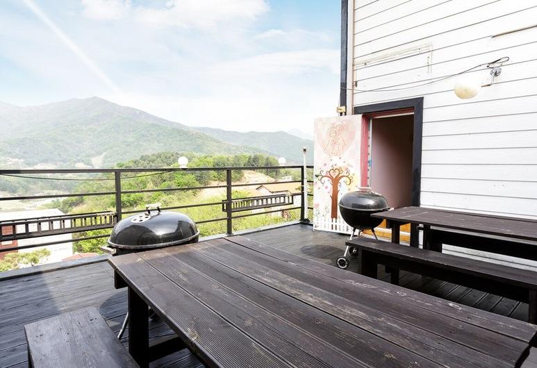 Opirus Pension, Yangpyeong, Duplex (Pink Topaz), Terrace/Patio