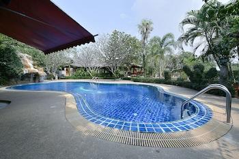 Picture of OYO Ruenkanthima Resort in Si Racha
