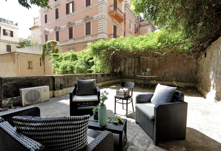 Scipioni Terrace, Rome