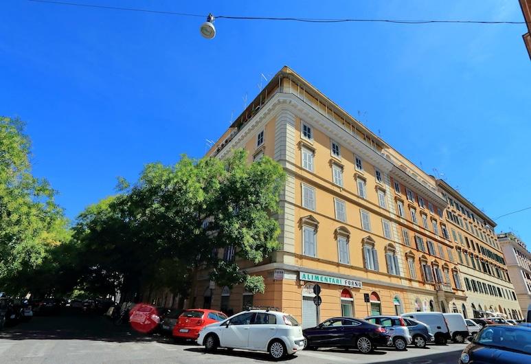Pompeo Magno Apartment, Rome