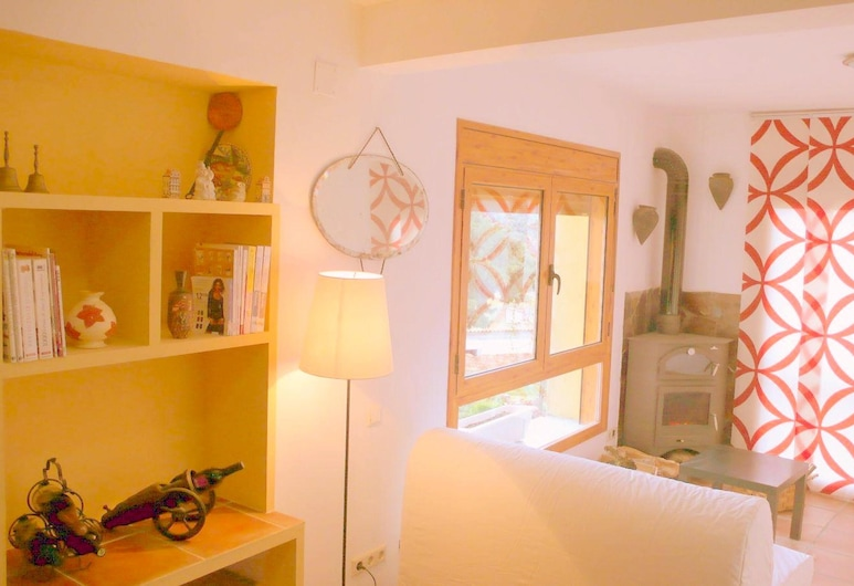 Apartment With 2 Bedrooms in Tolva, With Wonderful Mountain View, Furnished Terrace and Wifi, Tolva
