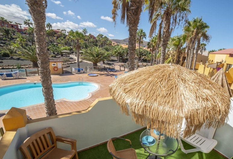 Oasis Royal  13 pool view apartment, La Oliva, Udendørsareal