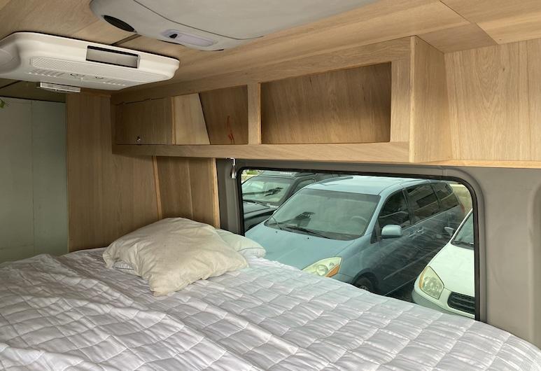 2012 Mercedes-benz Sprinter Custom Build/ California King Size bed, 카훌루이