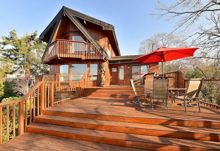 Oceanview 3 quartos Lindal Beach Home em Patricia Bay, Sidney, Terraço/Pátio Interior