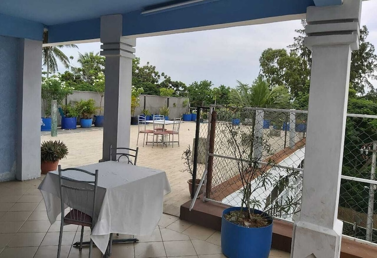 Grand Bay Beach Tourist Residence, Grand-Baie, Terrace/Patio