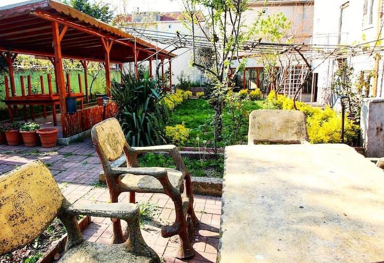 Kilic Motel, Arnavutkoy, Garden