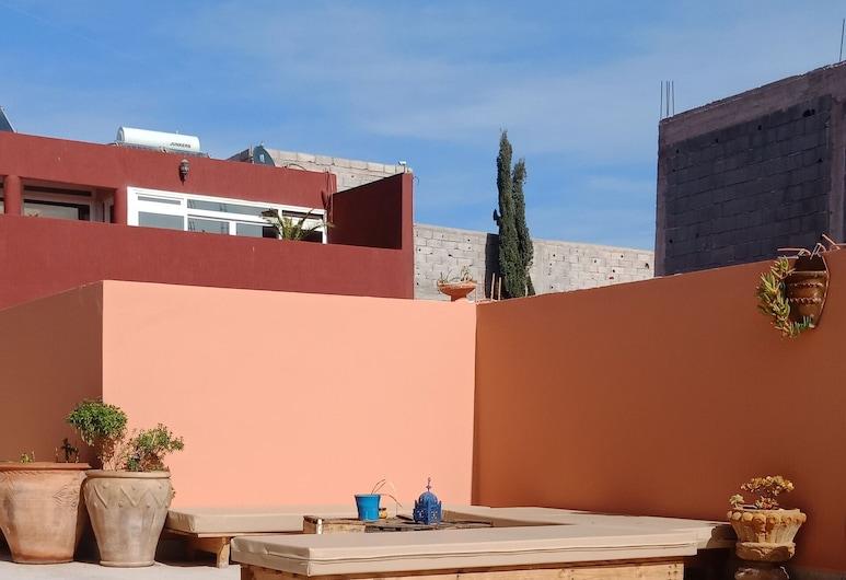 V&D Tamraght Surfers Hostel - Adults Only, Aourir, Terrace/Patio