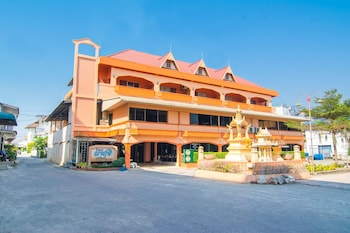 Foto van OYO 534 Phasuk Hotel in Pranburi