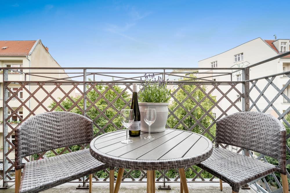 Two-Bedroom Apartment with Two Balconies - Balcony