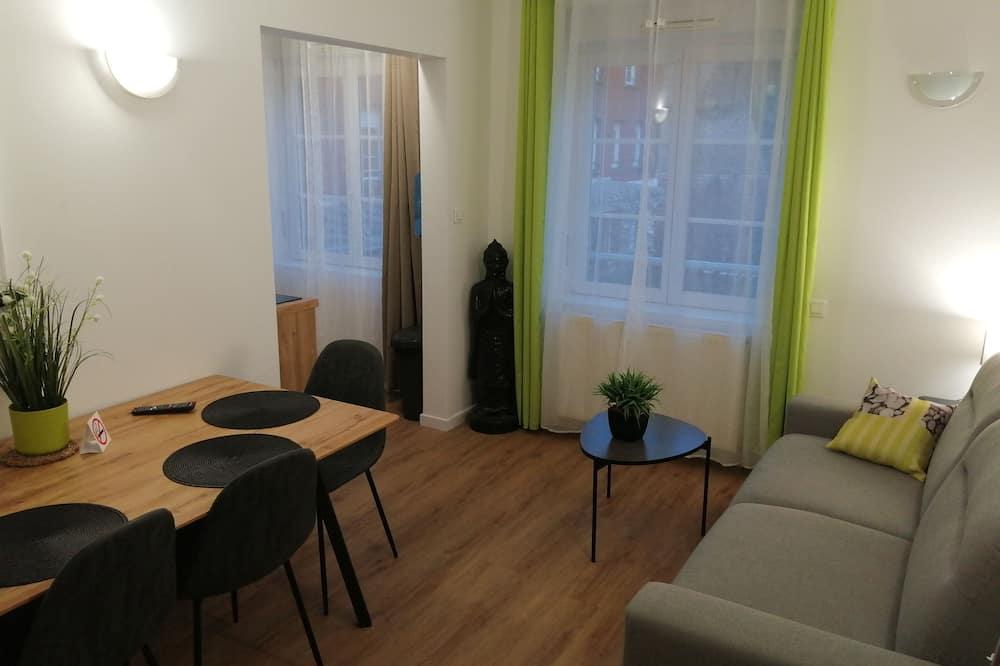 Family Studio Suite (PMR) - Ruang Tamu