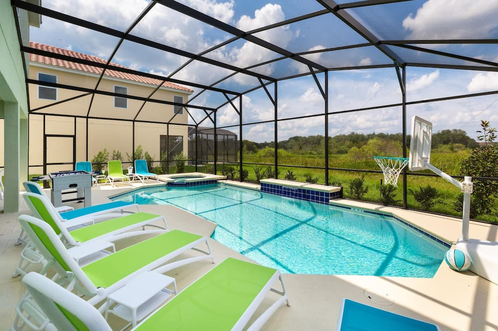 House, Multiple Beds (ST012V: 10 Bed, Dinosaurs, Minions) - Pool