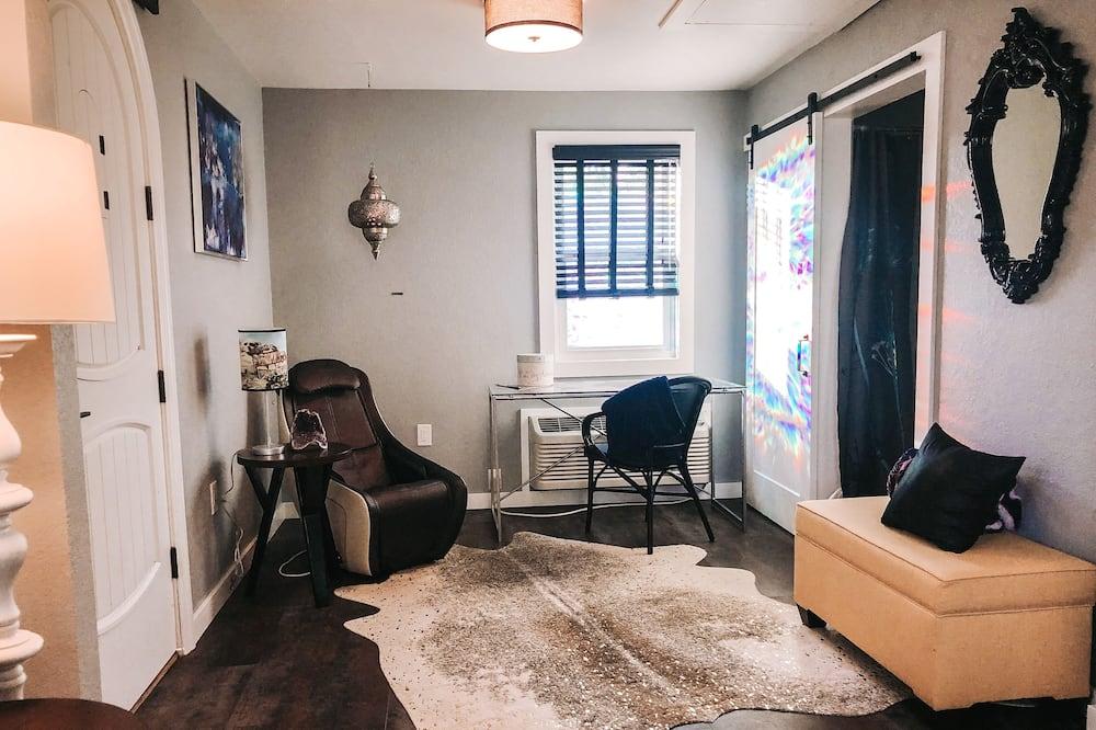 Standard Apartment, 1 Katil Ratu (Queen), Accessible, Non Smoking (One Bedroom Bungalow) - Bilik Rehat