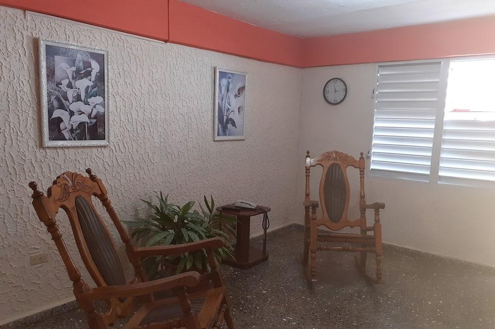 디럭스룸 - 거실