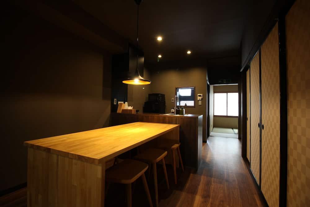Традиційний будинок, 3 спальні (Private Vacation Home) - Обіди в номері