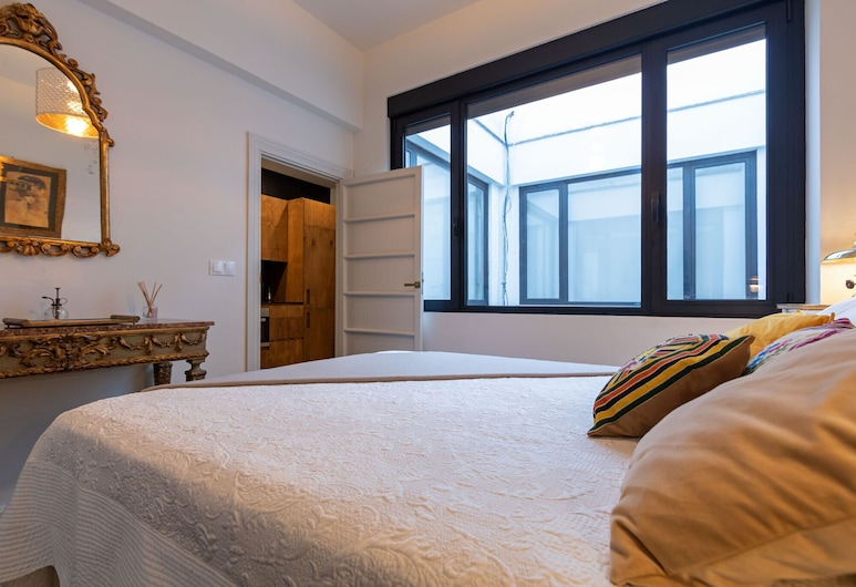 Deluxe Juderia Central , Seville, Apartment, 2 Bedrooms, Room