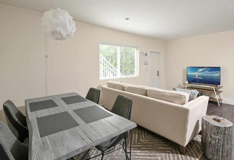 Brand-new All-suite Triplex Unit Near Beach 2 Bedroom Duplex, Benteng Lauderdale