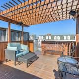 Dom (Upscale Home w/RooftopDeck&Parking Ne) - Balkon