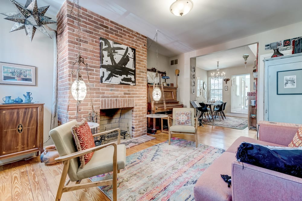 Historic Fells Point Home Steps From Waterfront