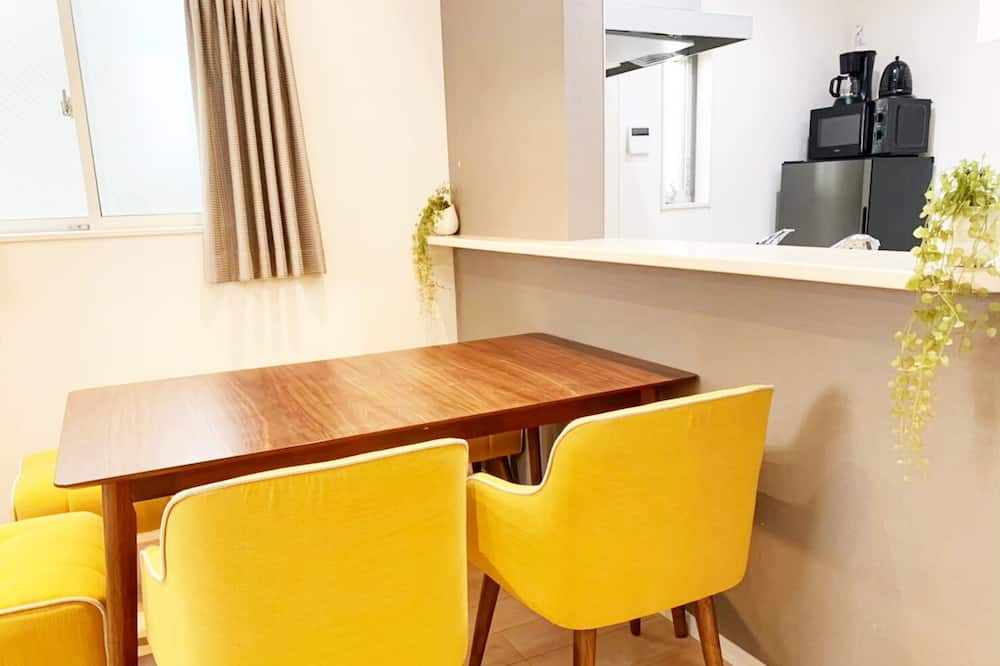 Standard Apartment, 3 Bedrooms, Non Smoking, Kitchen - Living Area