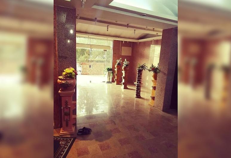 Gawhart El Mwasem , Tabuk, Entrada interior