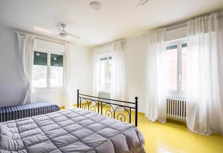 B&B La Villa, Bologna, Deluxe dvokrevetna soba, zajednička kupaonica (Blu - 3 Adults), Soba za goste