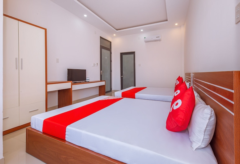 OYO 727 Hoang Giang Hotel, Van Ninh, Superior Quadruple Room, Bilik Tamu