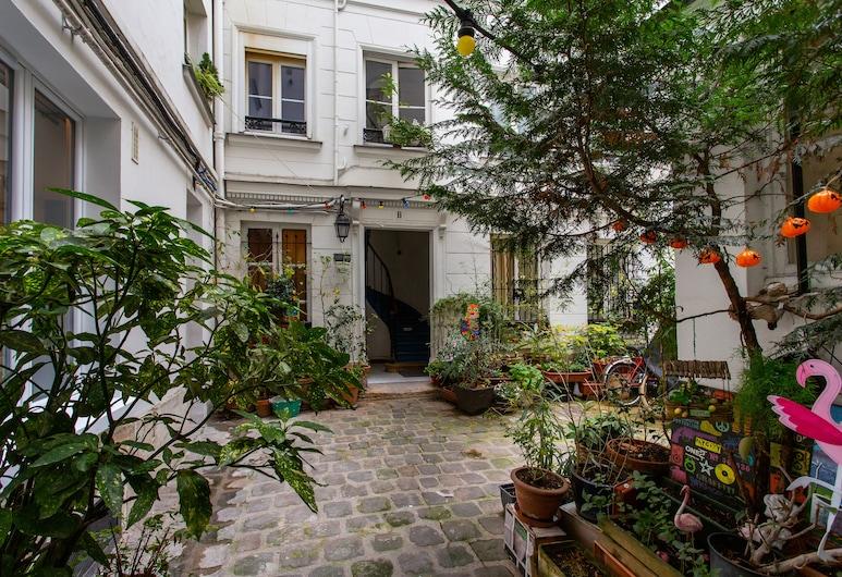 Luxury Home in the center of Paris, Paryż, Dziedziniec