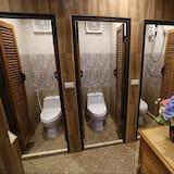 6-Bed Mixed Dormitory Room - Baðherbergi