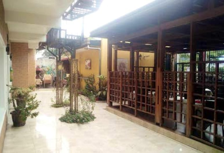 Apartment With 3 Bedrooms in Kinshasa, With Balcony and Wifi, Kinshasa, Private kitchen