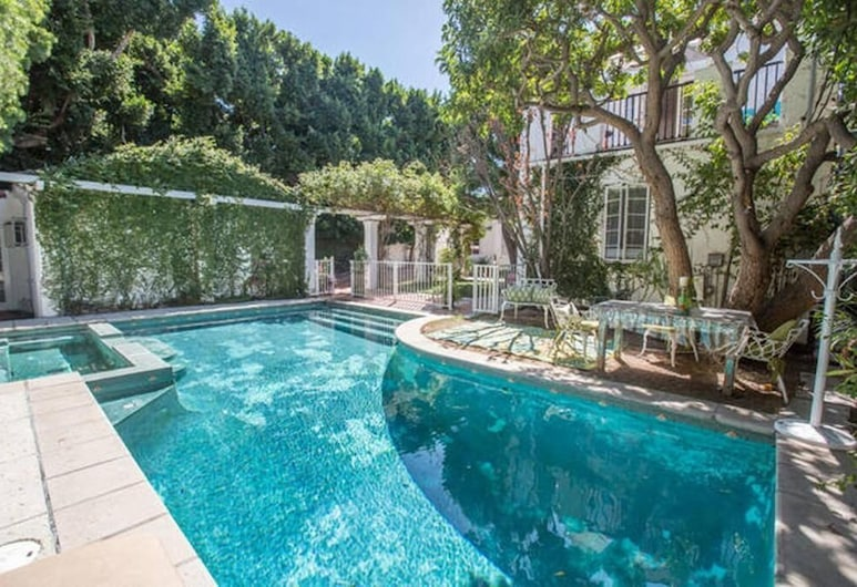 Beverly Hills Celebrity Home, Los Angeles, Pool