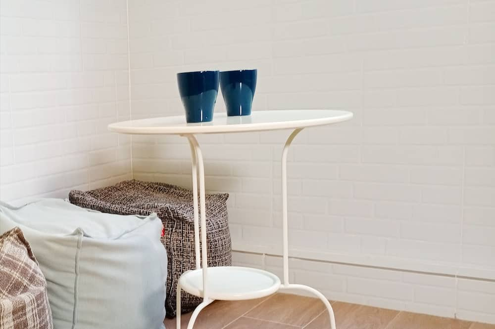 Two Adjoining Single Capsule - Unisex - Living Room