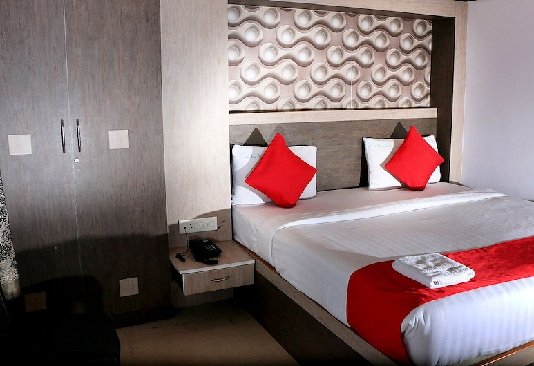 Hotel Peace Residency, Pondicherry, Deluxe Double Room, Guest Room