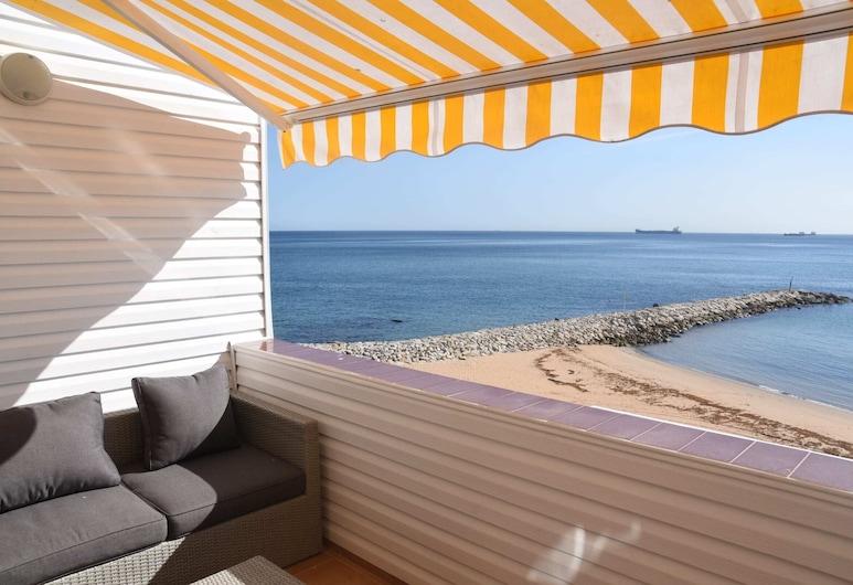 Peaceful Beachfront Apartment, Gibraltar, Huoneisto, 1 makuuhuone, Terassi/patio
