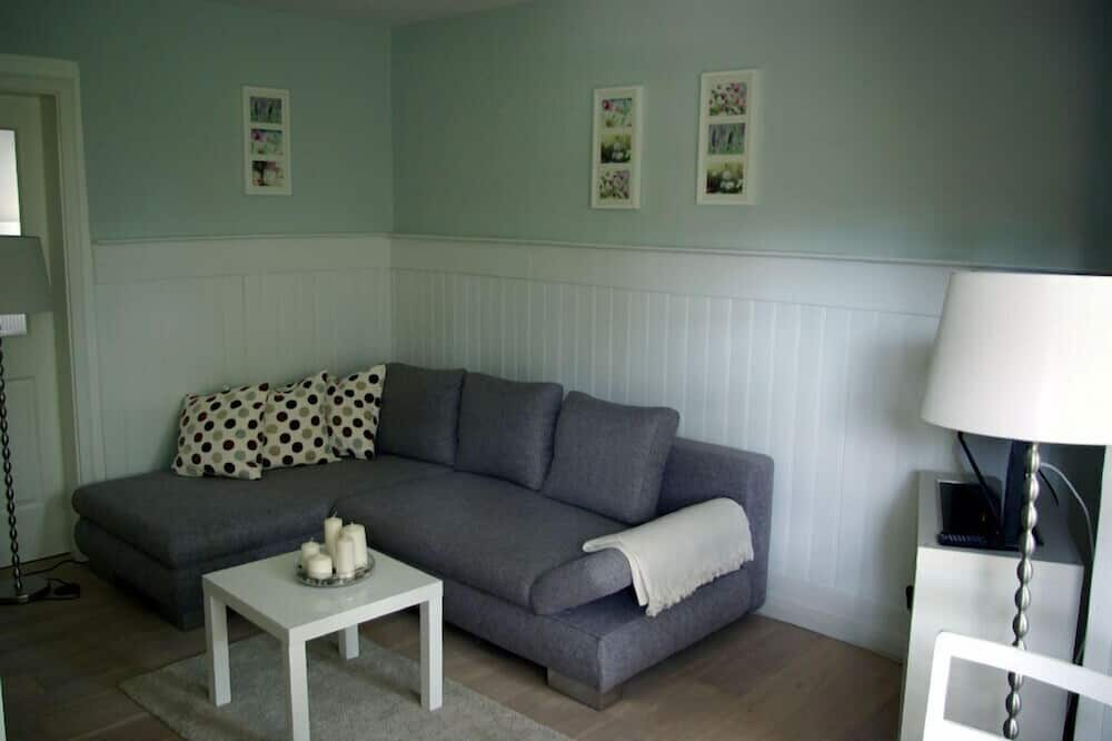 Apartment, Garden View (incl. EUR 20 Cleaning fee) - Living Room