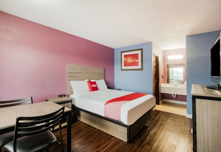 OYO Hotel Houston N Fm-1960 Champions TX, Houston, Room, 1 Queen Bed, Smoking, Guest Room