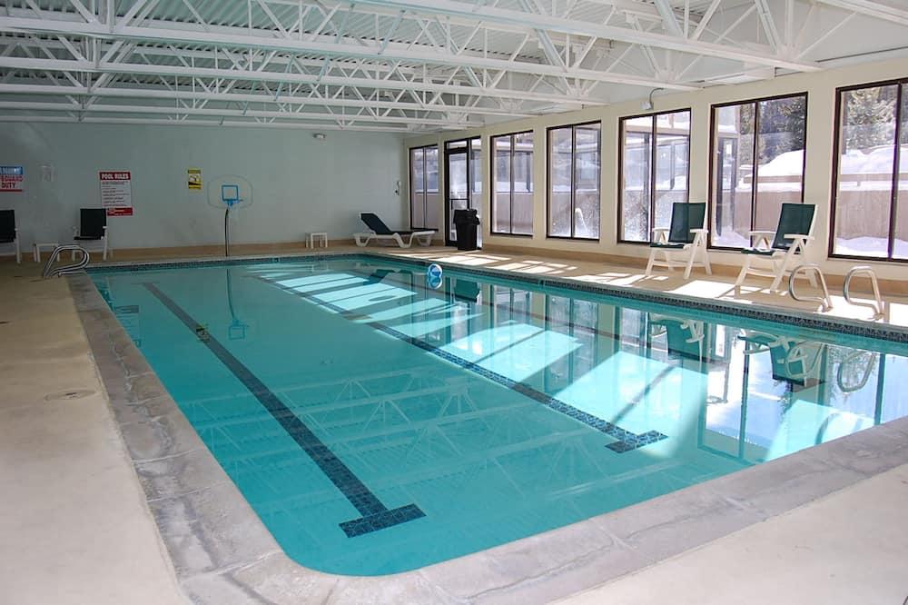 شقة - ٣ غرف نوم - حمام سباحة