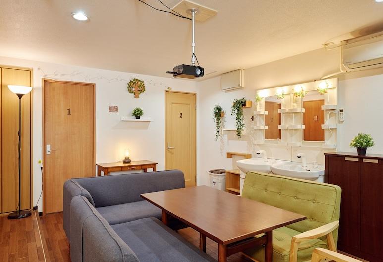 Sumicco 4LDK Room, 大阪市, アパートメント(EXPEDIA予約者の場合、15名様から1000円/人の追加料金は現地決済), リビング ルーム
