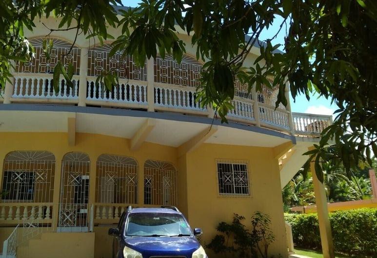 Unity Villa, Teluk Montego  , Bagian luar