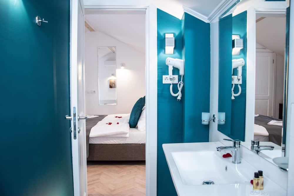 豪華雙人或雙床房 - 浴室淋浴間